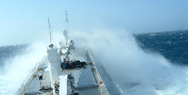 invisible-ship-cloak-sea-spray