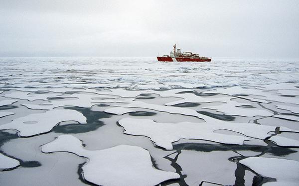 arctic ocean uscg healy ice icebreaker