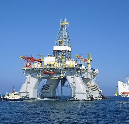 Deepwater Nautilus transocean hyundai heavy semisubmersible drilling rig reading & bates