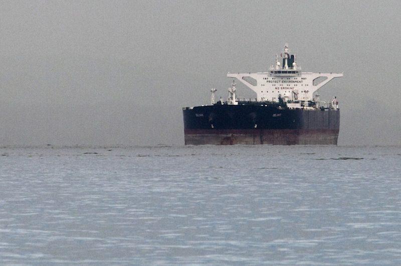 An Iranian supertanker at anchor. File photo. (c) REUTERS/Tim Chong