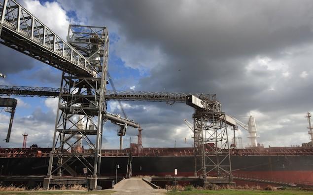 dry bulk grain loading shipping port of houston