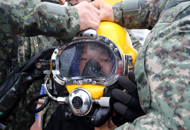 diver sewol korean navy