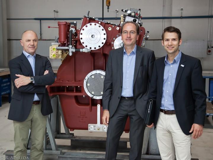 zf friedrichshafen transmission gears marine engineering