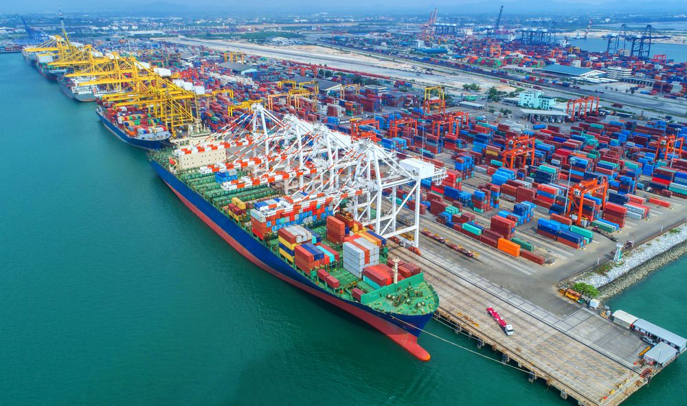 container terminal at port