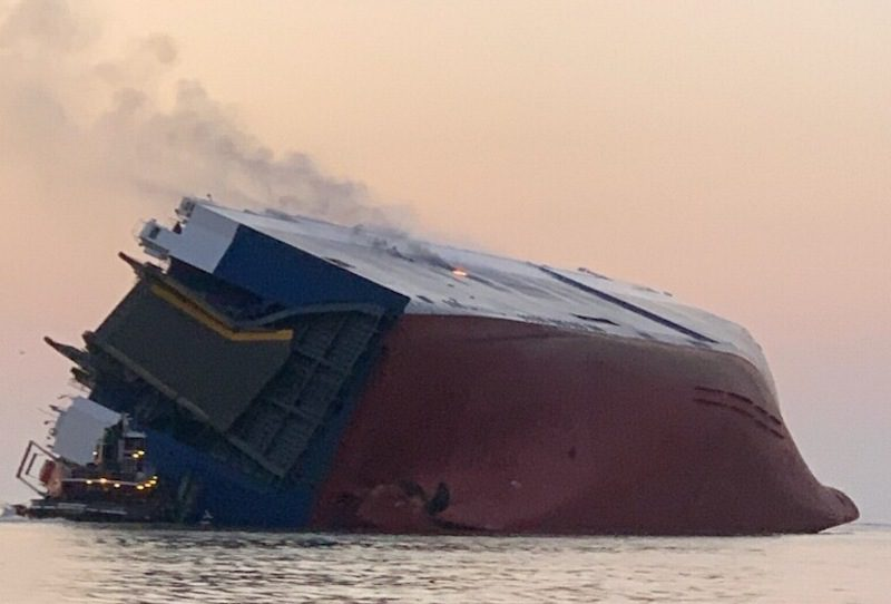 golden bay capsized at port of brunswick