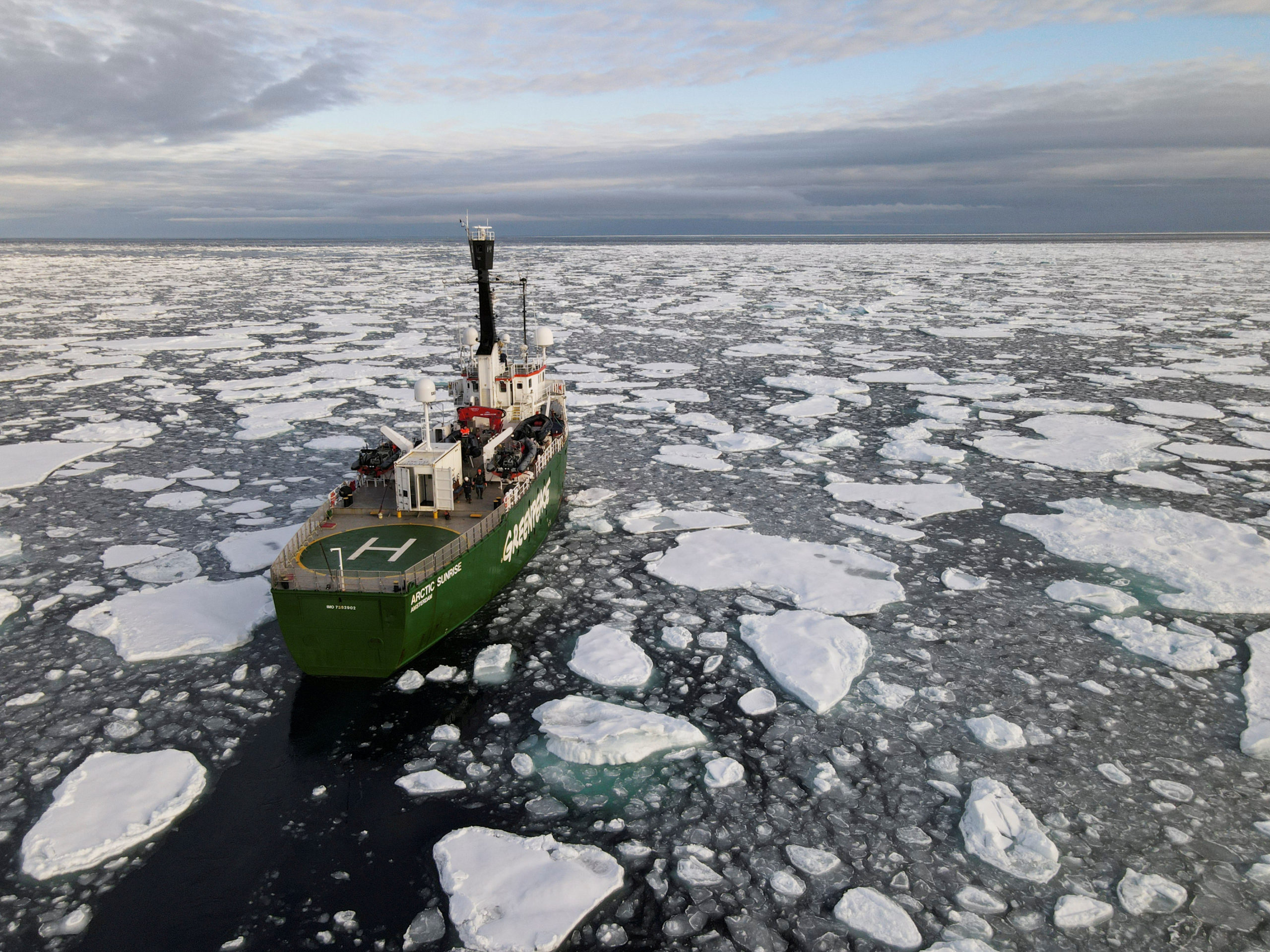 Greenpeace's Arctic Sunrise Navigating In Ice